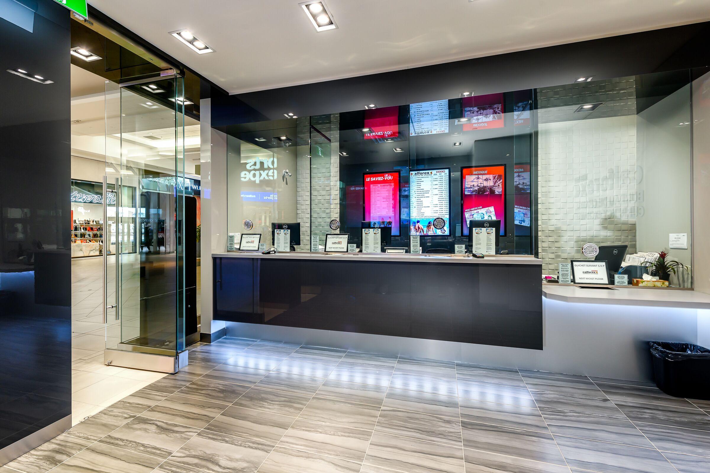 Calforex Exchange, CF Carrefour Laval – Photo 3
